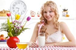 Употребление кефира в вечернее время для нормализации сна