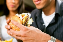 Неправильное питание - причина панкреатита
