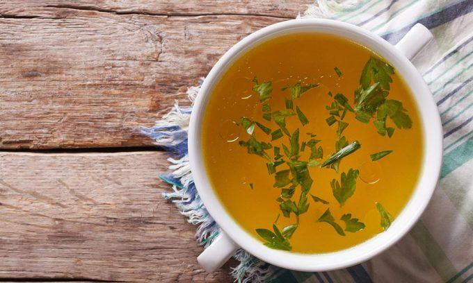 Самые простые виды блюд при остром панкреатите и в период обострения хронической формы заболевания – овощные бульоны