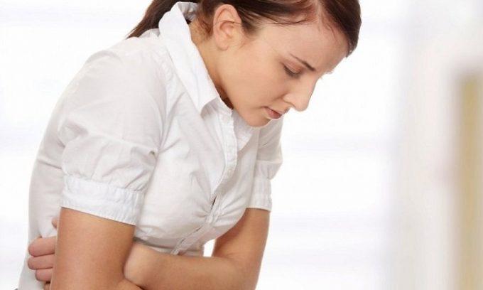 Симптомы панкреатита делятся на основные и косвенные, главным признаком патологии является болевой синдром