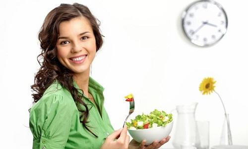 При столь тяжелых заболеваниях нужно соблюдать диету. В рацион нужно вводить свежие овощи и фрукты