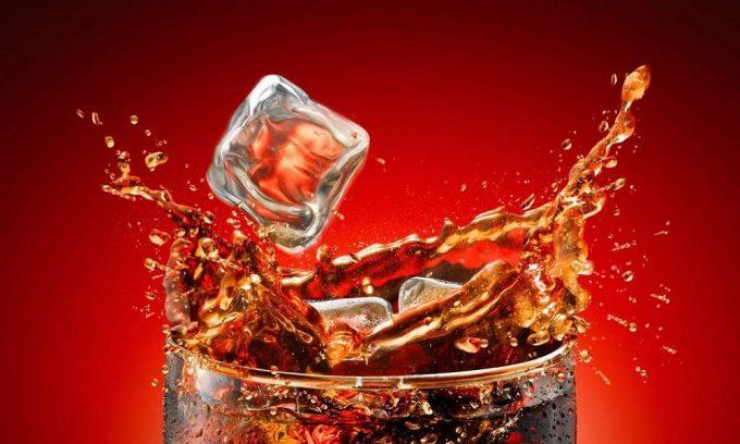 В список запрещенных продуктов при обострении панкреатита входят газированные напитки