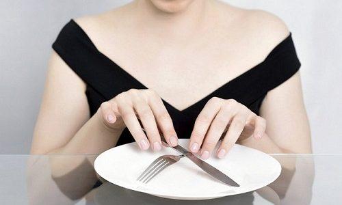 В первые 1-2 дня после приступа панкреатита больному показан голод