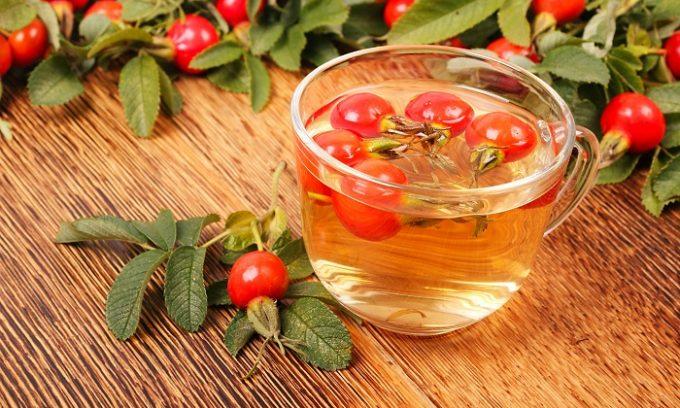 Человеку, который страдает от столь распространенного недуга, снять болезненные спазмы поможет отвар из ягод шиповника