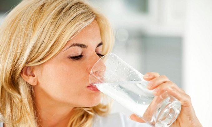 Если воспаление при панкреатите находится в стадии сильного обострения, то запрещается даже употребление жидкости