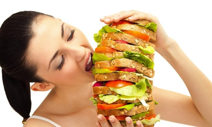Неправильное питание может спровоцировать развитие острого панкреатита