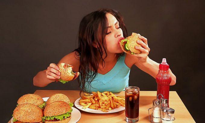Неполноценное и неправильное питание дают осложнения от острого панкреатита