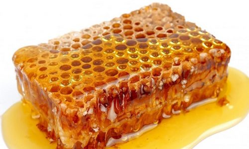 Совместно с травами и медикаментозными препаратами эффективны продукты пчеловодства.