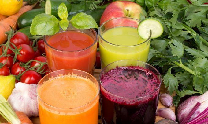 При панкреатите разрешается употреблять овощные и фруктовые соки