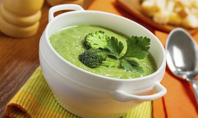 Вегетарианские блюда предусматривают большое количество зелени, разрешены блюда с петрушкой, укропом, тмином, сельдереем, крапивными листьями