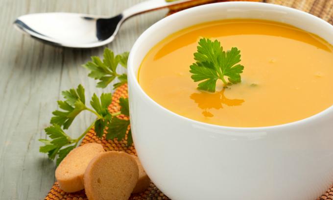Очень простой, а также полезный тыквенный суп рекомендуют диетологи больным панкреатитом