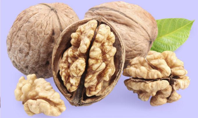 Грецкие орехи это источник питательных микроэлементов и йода используется в качестве дополнения к питанию выздоравливающего человека
