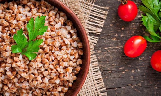Крупы для питания больных панкреатитом лучше брать с большим количеством белка, например, гречку, овсянку, рис