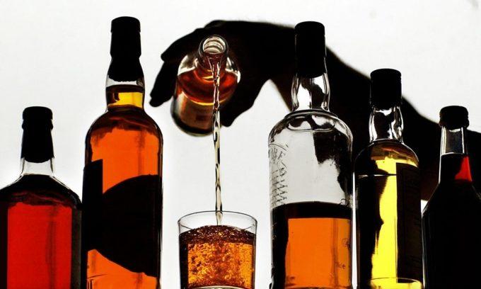 Отказаться нужно и от напитков, содержащих алкоголь