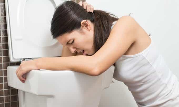 При развитии головки рака поджелудочной больной может чувствовать тошноту