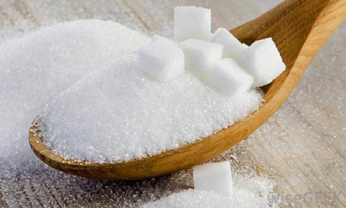 Человеку с дисфункцией поджелудочной железы необходимо уменьшить количество сахара